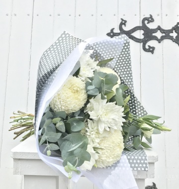 60_bouquet_white