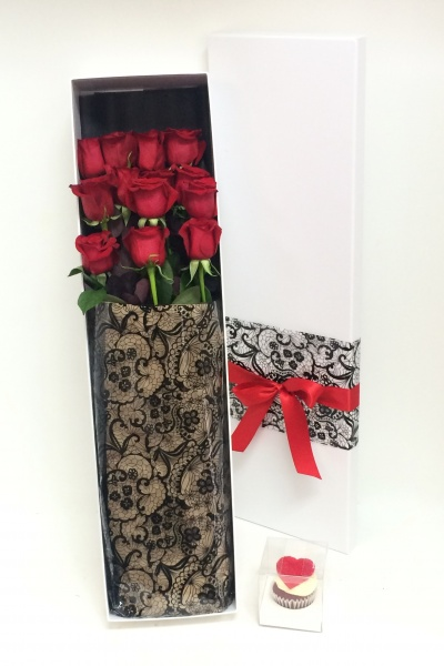 5th_avenue_doz_roses_in_a_box_option_1_ecuadors_179_option_2_60cm_finest_roses_139_1351767331