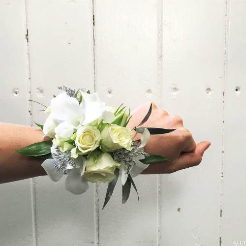 classic_corsage